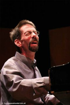 Fred Hersch playing