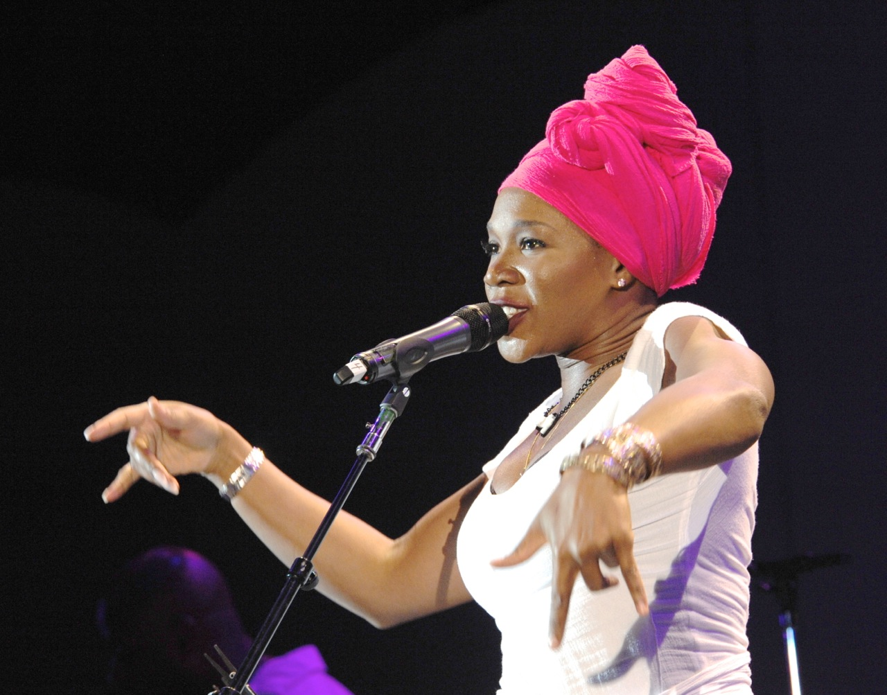 India Arie Performs Live, Talks 4 Year Absence & New Album