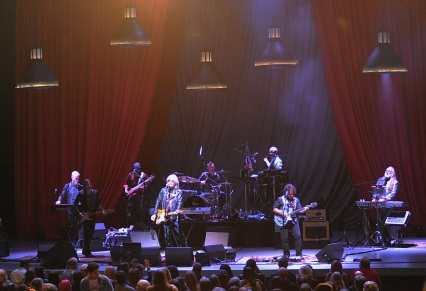 Hall & Oates and their band